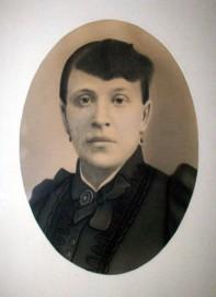 angela genetti portrait
