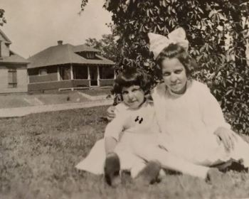 Elaine and Catherine Recla 1915