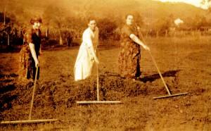 Three Genetti Sisters
