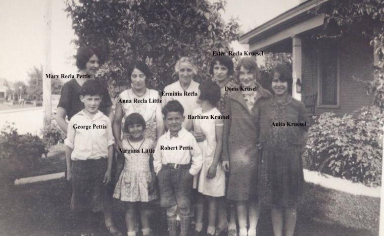 Recla women and children abt 1930